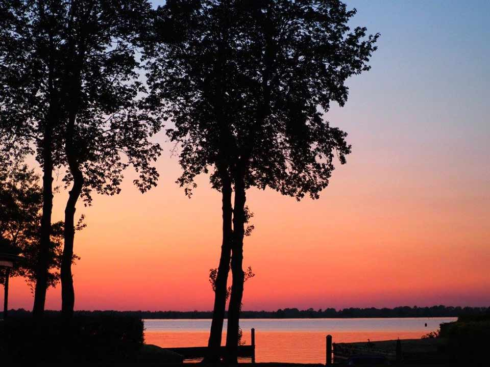 haven-zonsondergang_CT-01_Waterpark-Beulaeke-Haven_jachthaven-boot-sloep-verhuur